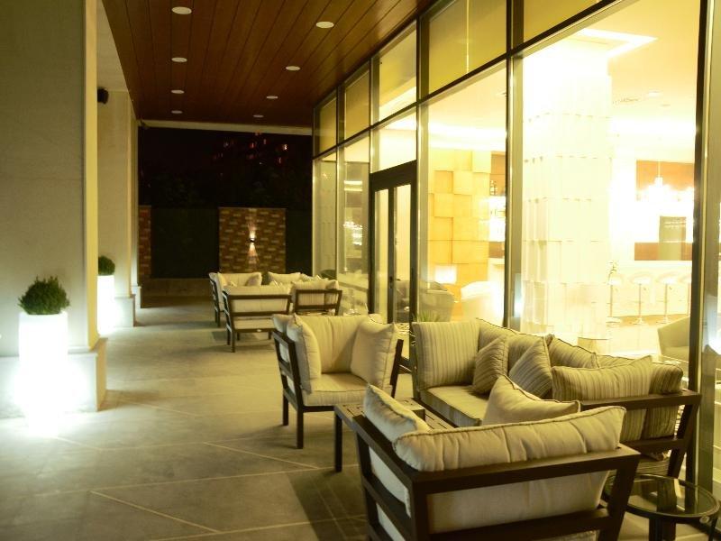Opera Suite Hotel Wellness