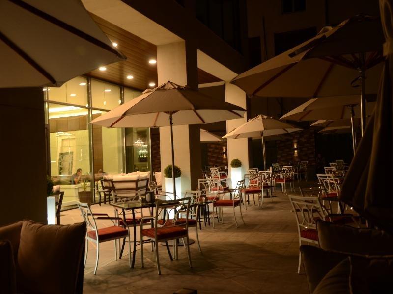 Opera Suite Hotel Restaurant