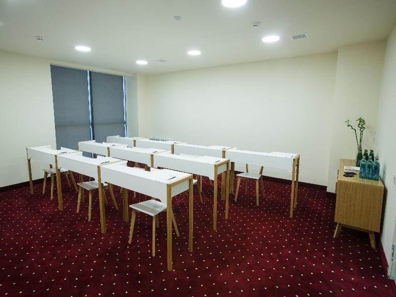 Opera Suite Hotel Konferenzraum