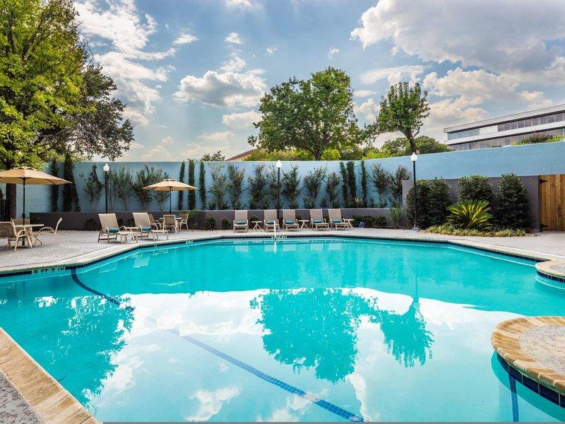 DoubleTree by Hilton Hotel Austin Northwest Arboretum Pool