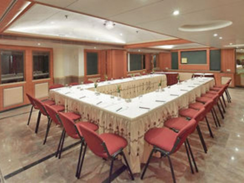 The Emerald Hotel & Executive Apartments Konferenzraum