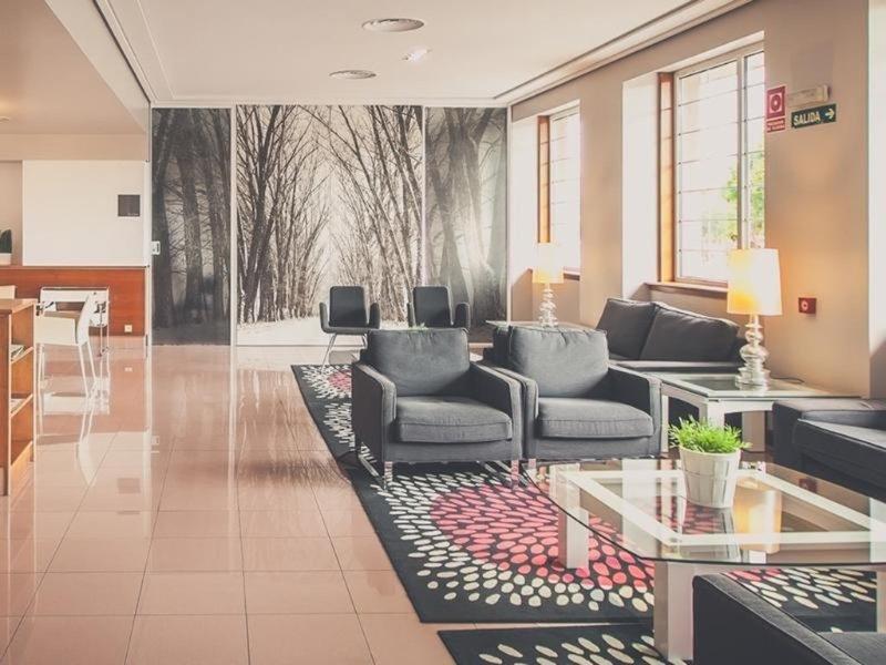 Sancho Ramirez Lounge/Empfang