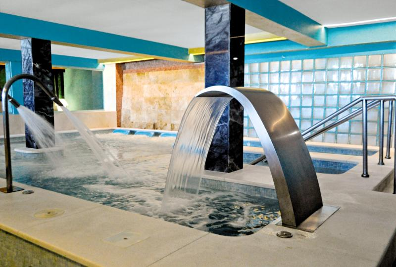 Guadalmina Spa & Golf ResortHallenbad