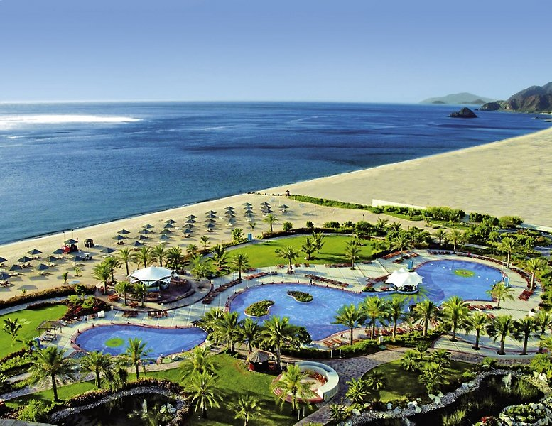 Le Meridien Al Aqah Beach ResortPool