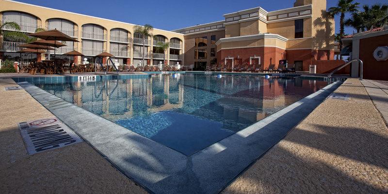 Westgate Towers Resort Pool