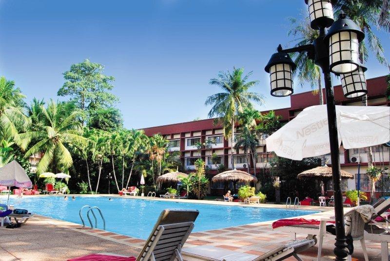 Basaya Beach Hotel & ResortPool