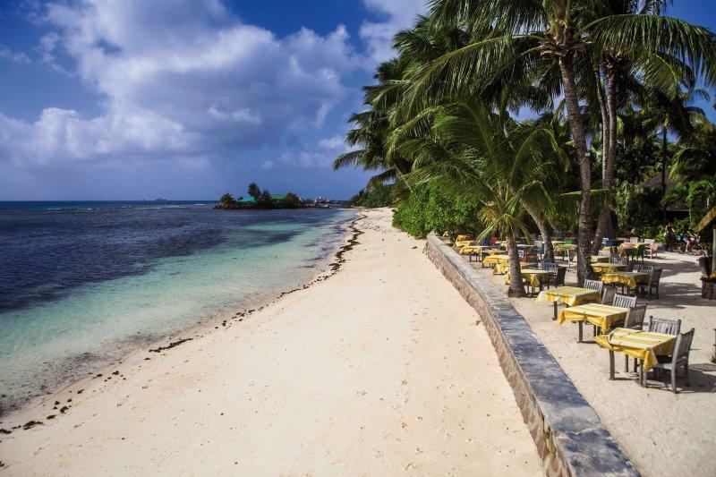 La Digue Island LodgeStrand