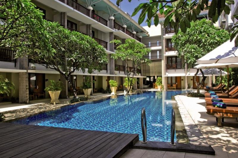 The Rani Hotel & Spa Pool