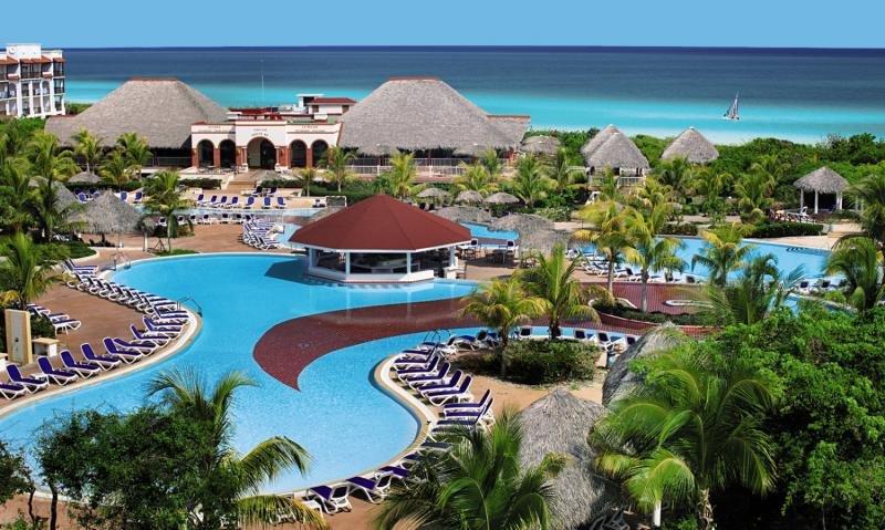 Memories Paraiso Pool