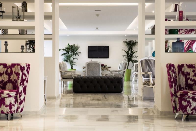Comodoro Playa Lounge/Empfang