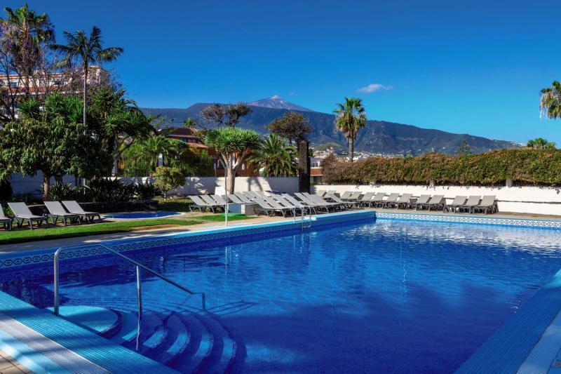 Weare La Paz Pool