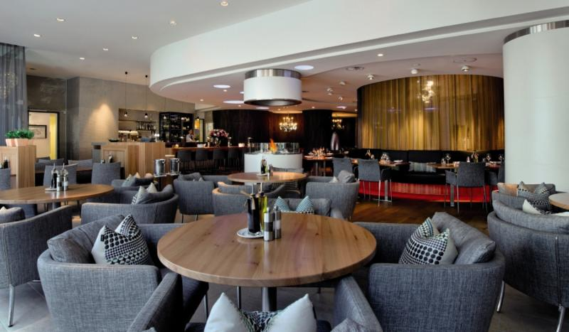 Radisson Blu Basel Bar
