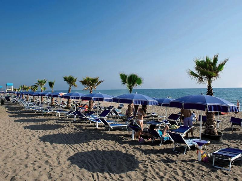 Italy Village  Strand