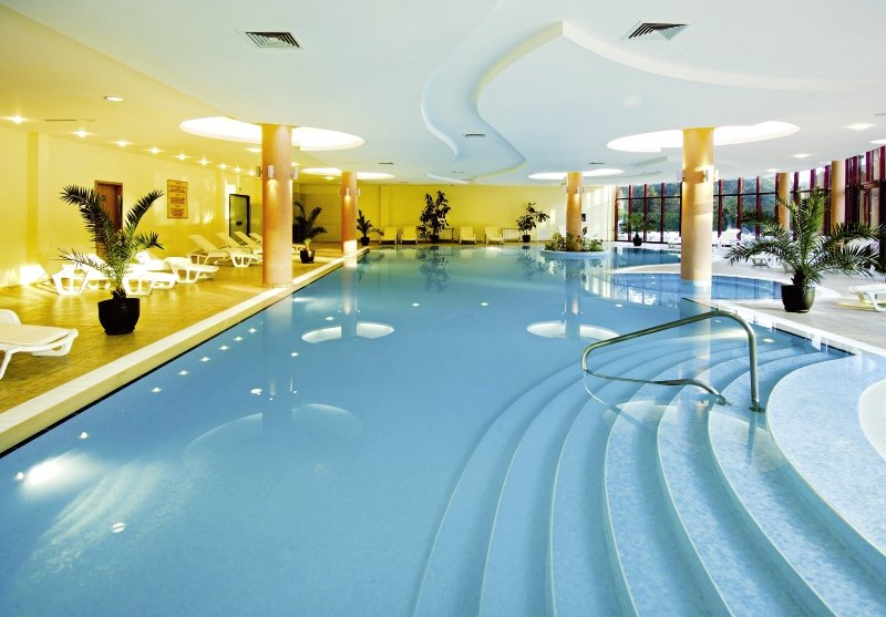 Doubletree by Hilton Varna Golden Sands Pool