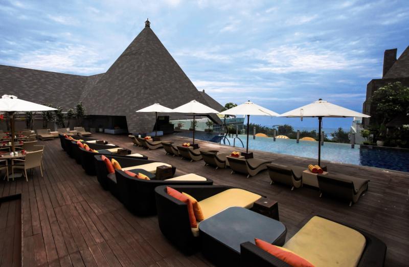 The Kuta Beach Heritage Resort Terrasse