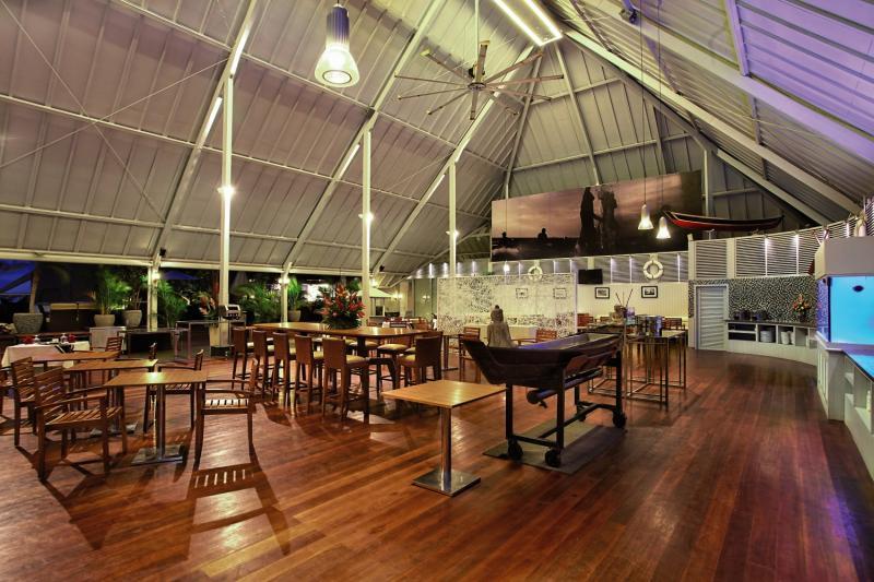 The Kuta Beach Heritage Resort Bar