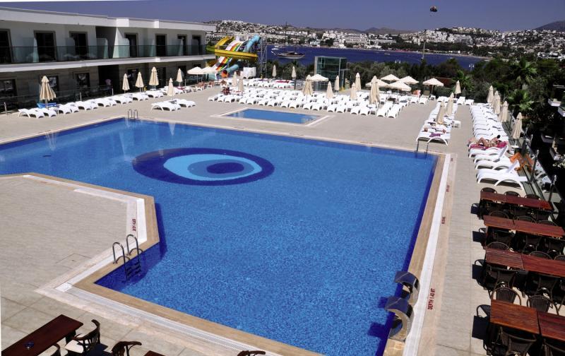 Jasmin Beach Hotel Pool