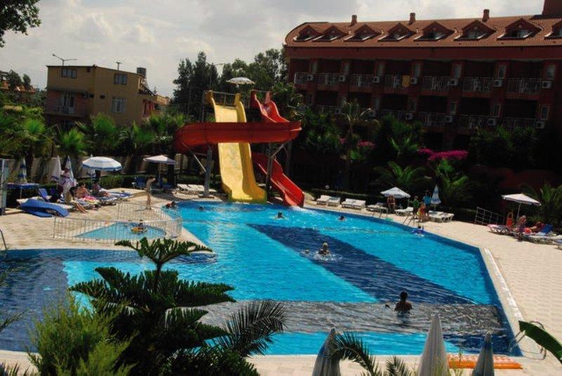 Club Side Coast Hotel Pool