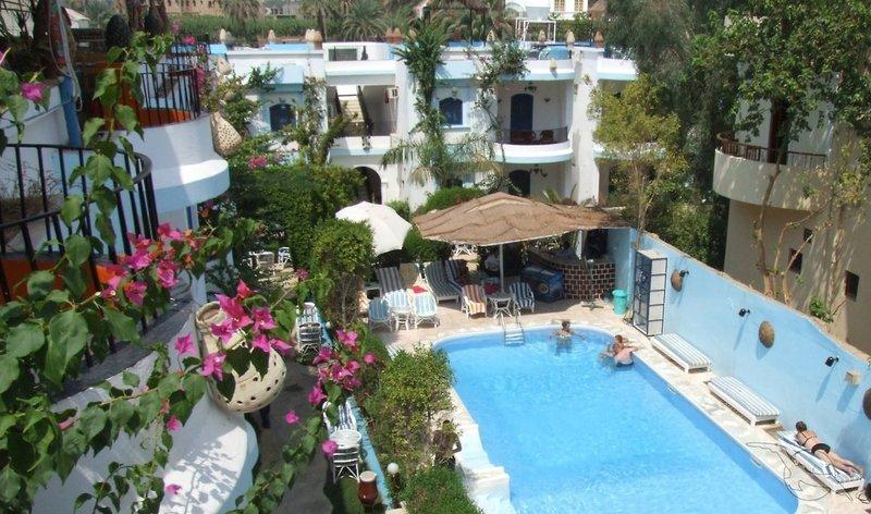 El Gezira Gardens Pool