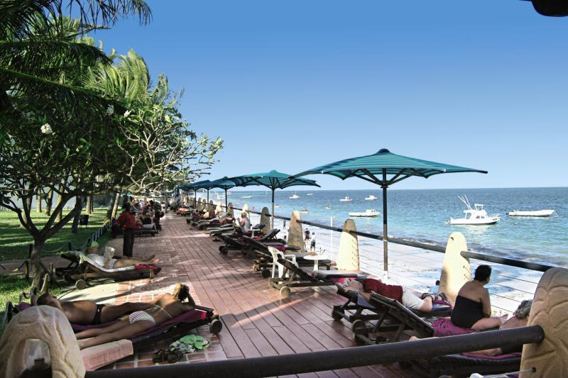 Bamburi Beach Strand