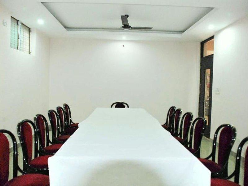 Airport Hotel Mayank Residency Restaurant