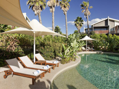 Pullman Magenta Shores Resort Pool