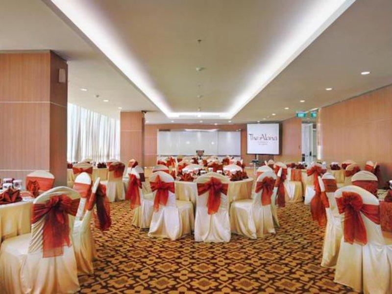 The Alana Hotel Surabaya Konferenzraum
