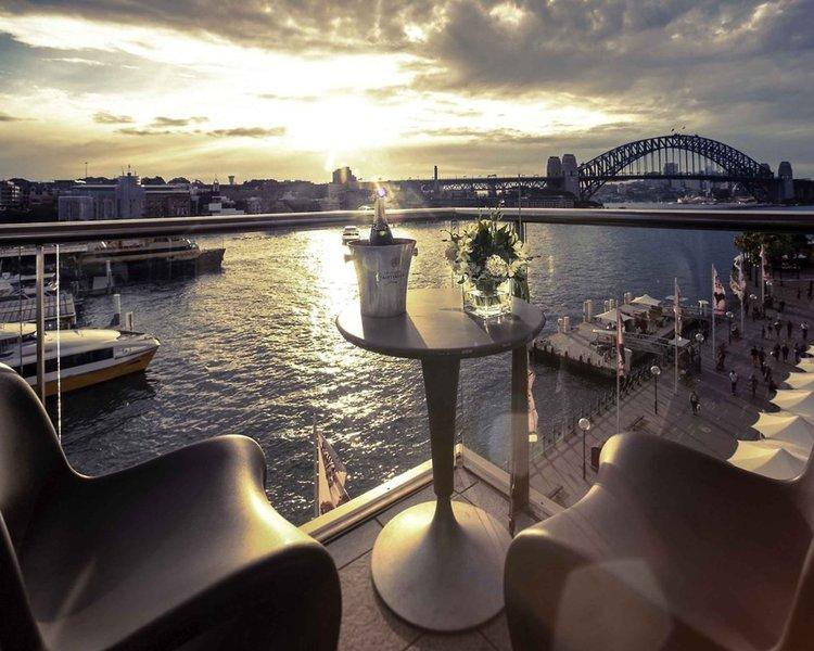 Pullman Quay Grand Sydney Harbour Bar