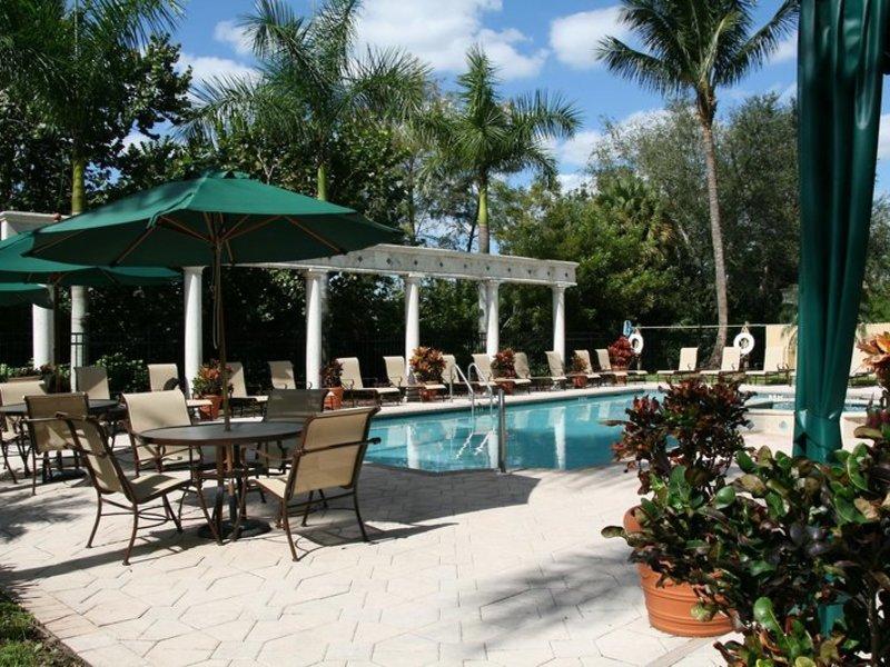 Hampton Inn & Suites Boynton Beach Pool