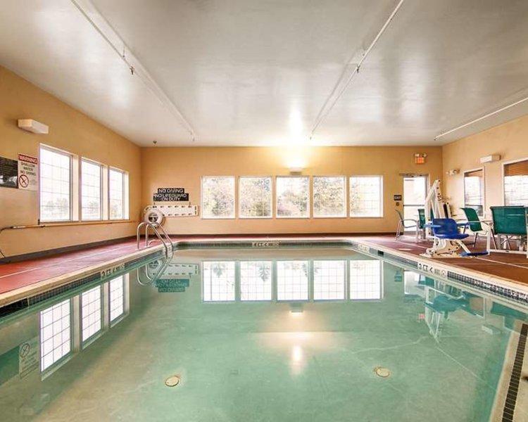Best Western Harrisburg Hershey Hotel Pool