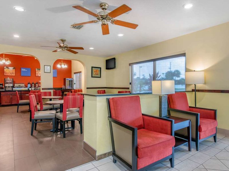 Comfort Inn Kissimmee Bar