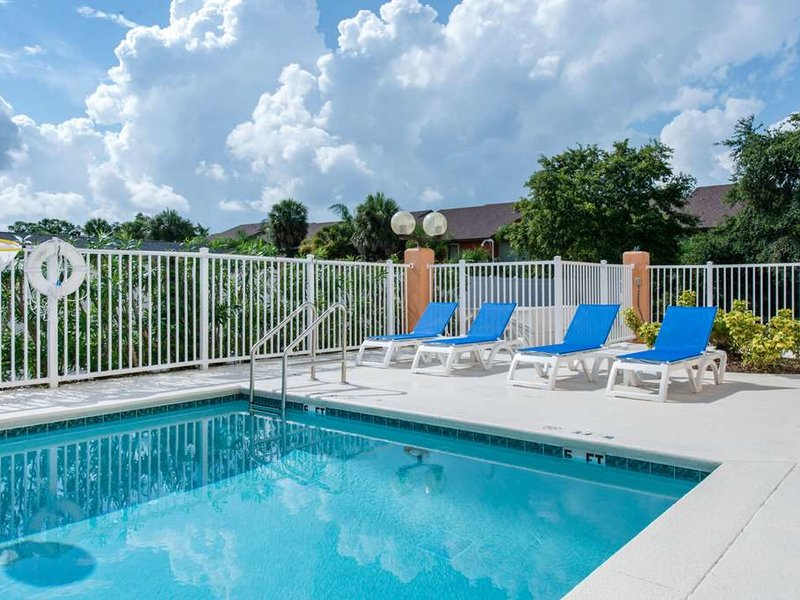 Comfort Inn Kissimmee Pool