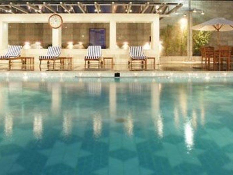 Jaypee Vasant Continental Pool