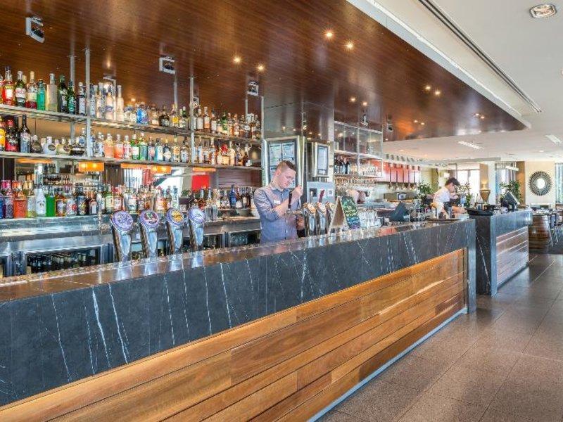 Mantra Bell City Hotel & Residence Bar