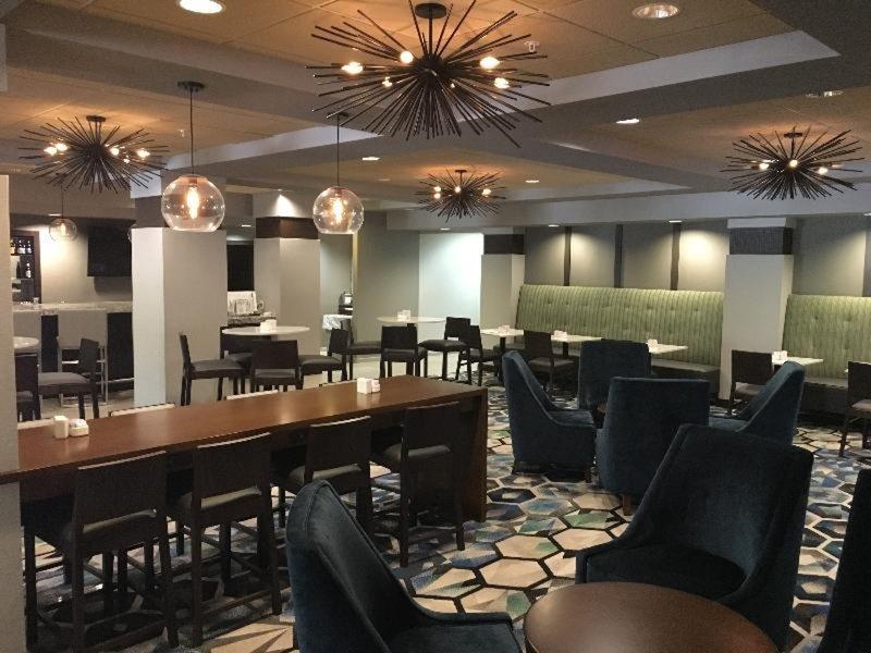 Radisson Hotel Dallas North Addison Restaurant