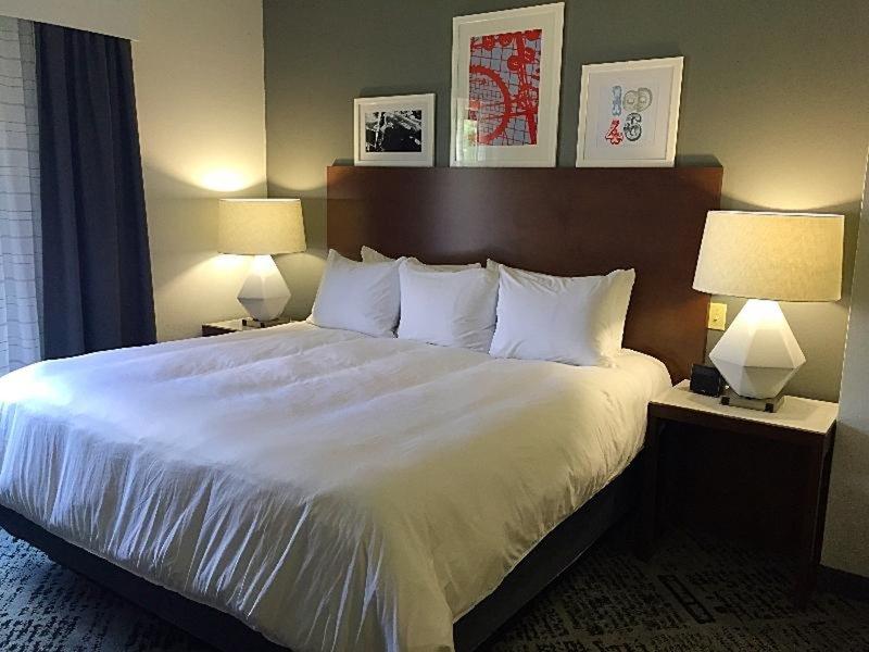 Radisson Hotel Dallas North Addison Wohnbeispiel