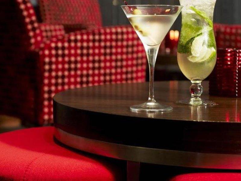 Rydges North Sydney Bar