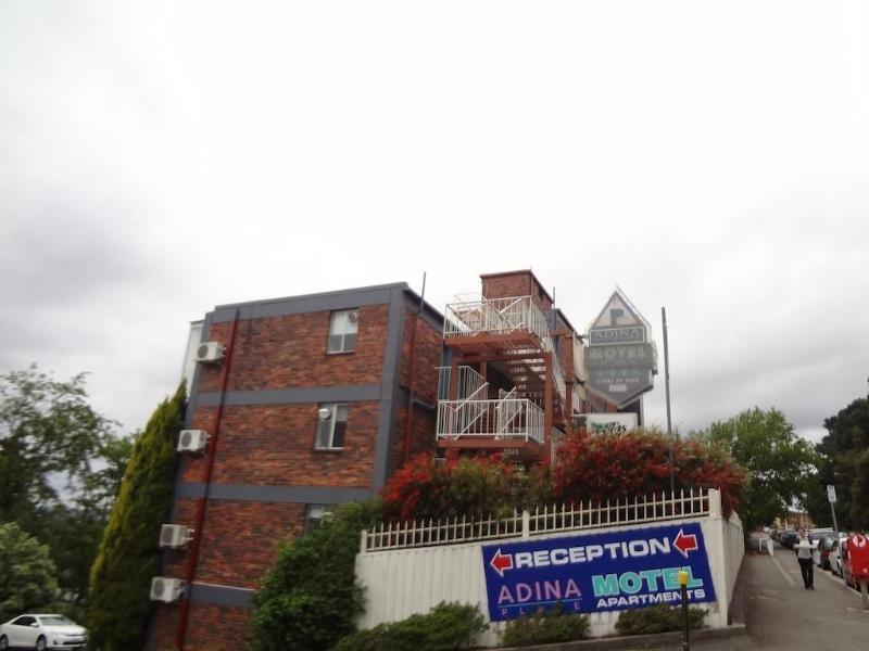 Adina Place Motel Apartments Außenaufnahme