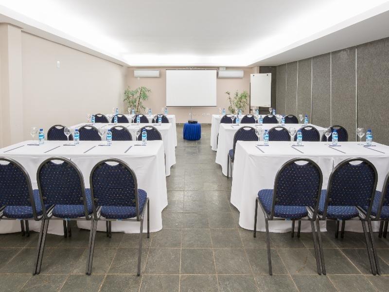 Prodigy Beach Resort Marupiara Konferenzraum