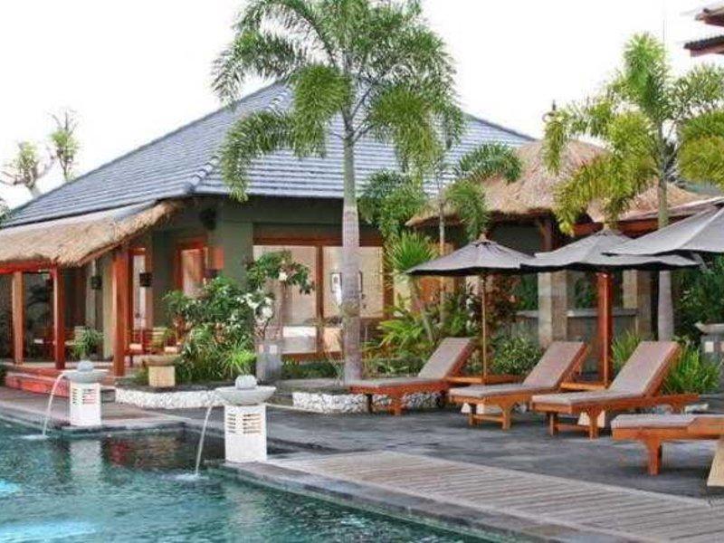 Villa Hening Pool