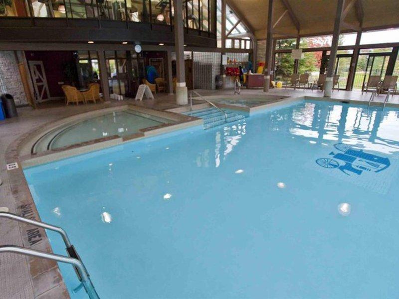 Carriage Ridge Resort at Horseshoe Valley Pool