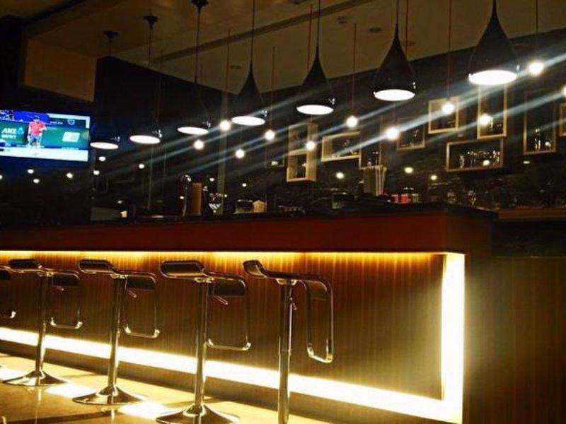 Grand Tjokro Bandung Bar