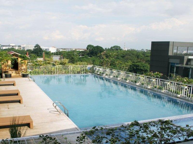 Grand Tjokro Bandung Pool