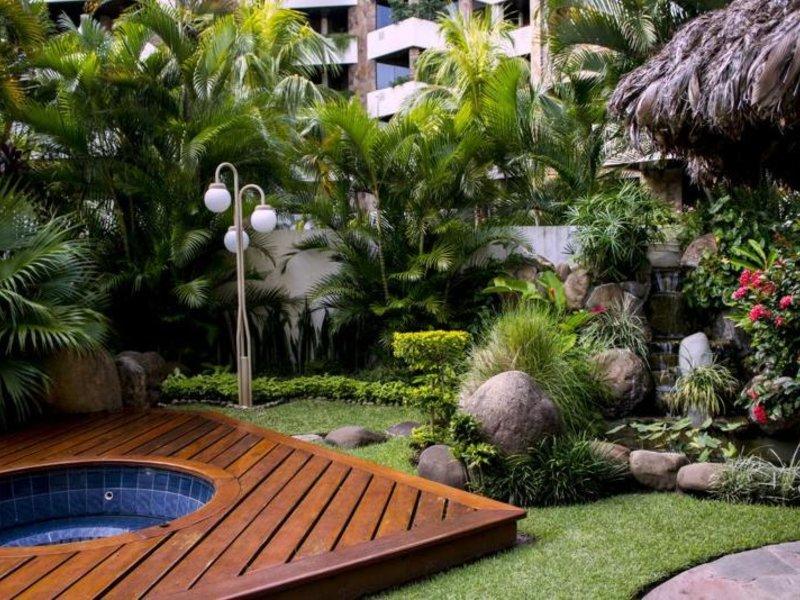 Toborochi Suites Garten