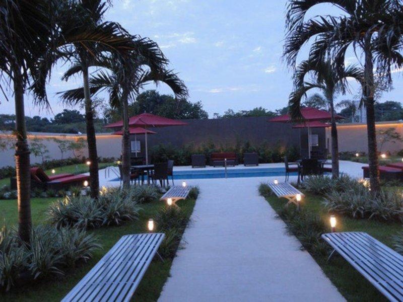 Courtyard by Marriott Panama City Metromall Pool