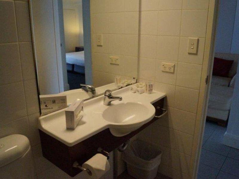 Song Hotel Redfern Badezimmer