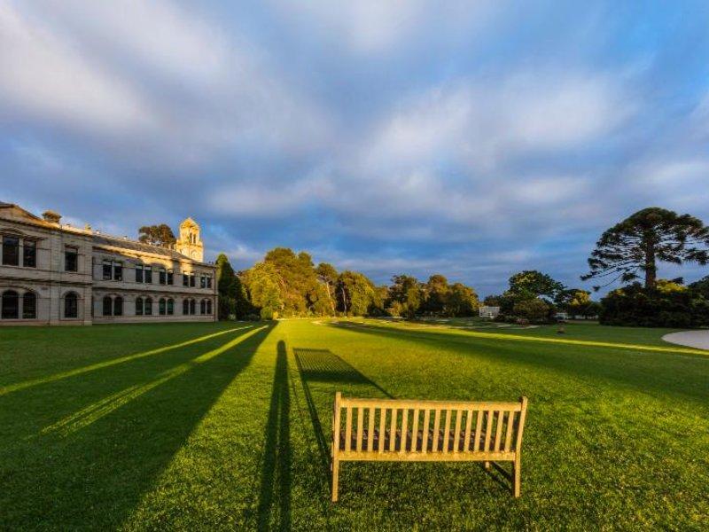 Mansion Hotel & Spa at Werribee Park Garten