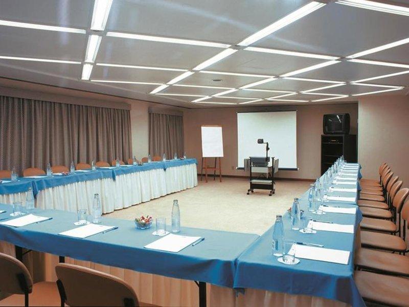 Estanplaza Nacoes Unidas Konferenzraum