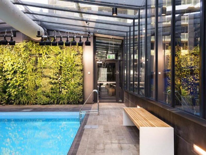 Melbourne Short Stay Apartments Southbank Collection Pool