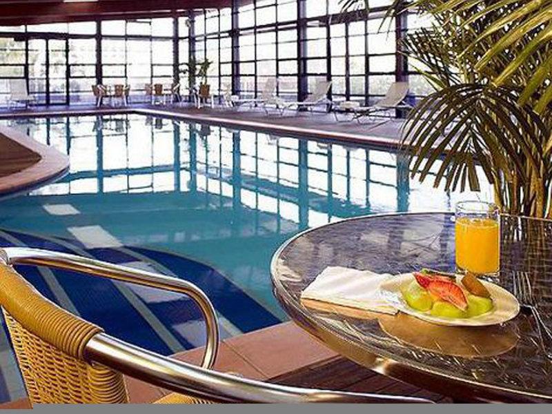 Novotel Canberra Pool